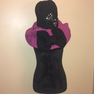 Betsey Johnson Scarf & Hat